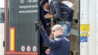 Cảnh sát Pháp bắt giữ 5 người Việt vượt biên sang Anh trong thùng xe tải