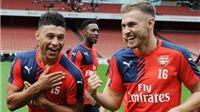 CĐV Arsenal chửi bới Ramsey và Chamberlain thậm tệ sau trận hòa Tottenham