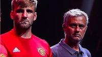 Jose Mourinho lại dùng 'nghệ thuật hắc ám' ở vụ chỉ trích Smalling, Shaw