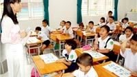 Bức xúc vì giáo viên thành... 'tiếp viên đặc biệt'