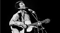 Leonard Cohen - người duy nhất đủ sánh với Bob Dylan