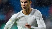 Tại sao cầu thủ Real Madrid mặc quần áo 'trong suốt' trước Gijon?