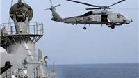 Tàu chiến Iran chĩa súng vào trực thăng chiến đấu Mỹ tại Eo Hormuz
