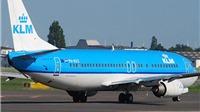 Cơ trưởng đột ngột bị đau tim khi máy bay đang cất cánh; hành khách vào cứu giúp