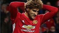 Mourinho vẫn bảo vệ Fellaini trước sự phản đối dữ dội của CĐV Man United