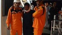 VIDEO: Nỗ lực hết sức cứu ngư dân bị tai nạn đứt lưỡi trên biển