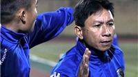 Vái trọng tài, trợ lý HLV Hà Nội FC bị đình chỉ nhiệm vụ 4 trận