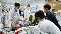 Ngày Tết, mướt mồ hôi trực cấp cứu ở Bệnh viện Việt Đức, Bạch Mai