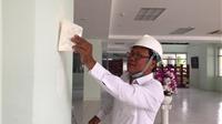 Nhà thơ đi làm... phụ hồ để khắc phục hậu quả sau Ngày thơ Việt Nam