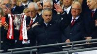 Mourinho 'úp mở' việc giải nghệ sau khi đi vào lịch sử Man United