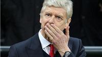 Wenger vẫn thích Arsenal hơn Barcelona, fan Pháo thủ ngao ngán