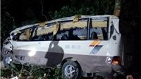Chùm ảnh xe khách lao xuống vực ở Lào Cai: 1 người tử vong, 9 người bị thương nặng
