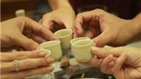 Thói 'nghiện rượu' của đàn ông Việt và những cuộc 'ngộ độc' tập thể