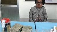 Bà già 60 tuổi nhét 8kg vàng khắp người tìm cách vào Việt Nam