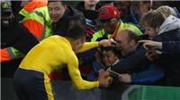 Fan Arsenal phát sốt với hành động của Sanchez sau trận thắng Boro