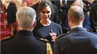Victoria Beckham phá lệ kiểu 'mặt lạnh như tiền' khi diện kiến Hoàng tử William
