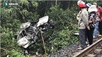 1 ngày 2 vụ tàu đâm ô tô: 4 người chết, 3 người bị thương