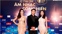 Hoàng Kỳ Nam bảnh bao hội ngộ Phan Thị Mơ, Khánh Phương tại giải Cống hiến 2017