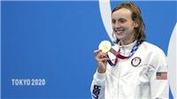 Olympic 2021 ngày thứ 5: Ledecky giành vàng, Anh vui bơi, buồn quần vợt
