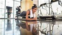 Lệ Quyên nâng tạ 30kg, H'Hen Niê chống đẩy 10 phút tăng cường thể lực mùa dịch