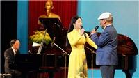 Sao Mai Phương Nga song ca cùng NSND Trần Hiếu mừng Đại hội Hội Nhạc sĩ Việt Nam