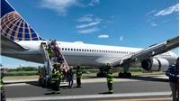Một máy bay thương mại Mỹ trượt khỏi đường băng