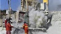 Trung Quốc: Giải cứu người thợ đầu tiên trong vụ sập mỏ vàng sau 2 tuần
