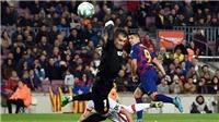 CĐV gọi pha giật gót của Luis Suarez là 'bàn thắng trăm năm có một'