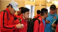 Tuyển Việt Nam đã có mặt tại Dubai, ra sân tập luyện đấu Jordan
