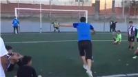 Pha sút penalty 'dị' chưa từng thấy của cầu thủ Argentina
