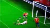 Sốc với pha bỏ lỡ của cựu tiền đạo M.U ở trận Chile thắng Serbia 1-0