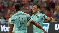 Đeo băng đội trưởng của Arsenal, Mesut Oezil lập ngay đại công