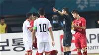 CẬP NHẬT sáng 24/8: HLV U23 Bahrain cay cú trọng tài. CĐV M.U thuê máy bay treo biểu ngữ đòi sa thải Woodward