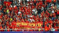 Bắt bảo vệ sân Mỹ Đình đưa người vào xem chui trận Việt Nam vs Philippines
