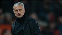Cựu HLV Hà Lan: 'Mourinho thậm chí không xếp được đội hình phù hợp'