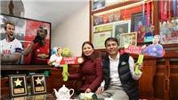 Quang Hải nhận chỉ thị bất ngờ từ bố mẹ ở Việt Nam