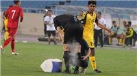 HÀI HƯỚC: Trọng tài suýt bỏ dở trận đấu của U23 Việt Nam vì chấn thương