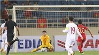 VIDEO: Bùi Tiến Dũng nhiều lần khiến CĐV Việt Nam thót tim trong trận với U23 Indonesia
