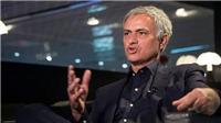 Mourinho 'đá đểu' Neville và Scholes, nói lời cay đắng với MU