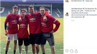 Yêu Arsenal nhưng phải khoác áo MU, con trai Beckham khiến CĐV phải bật cười