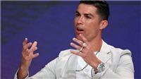 Sốc với độ chịu chơi của Ronaldo: Đeo 19 tỷ đồng trang sức trên một tay