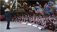 Nước Nga ngập cờ hoa mừng chiến thắng của Tổng thống Vladimir Putin