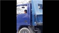 Thót tim xem video ông bố để bé trai phóng xe tải trên phố đông người ở Thanh Hóa