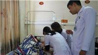 Trực cấp cứu, bác sĩ Bệnh viện Hà Tĩnh bất ngờ bị người nhà bệnh nhân đánh bất tỉnh