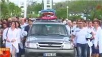 VIDEO: Cuba chôn cất nạn nhân vụ rơi máy bay