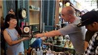 Chợ đồ cổ giữa lòng Sài Gòn bán cả ảnh lưu niệm gia đình