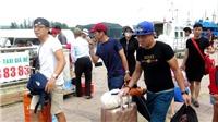 Điều 8 tàu cao tốc đưa các du khách 'mắc kẹt' ở Lý Sơn vào đất liền
