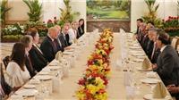 Tổng thống Donald Trump được mừng sinh nhật trong bữa trưa với Thủ tướng Singapore