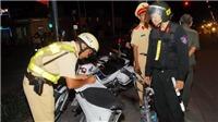 Cảnh sát cơ động Hà Nội bắt giữ nhiều quái xế 'đánh võng' trên đường phố 'mừng' World Cup 2018