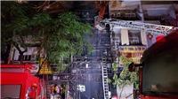 130 lính cứu hỏa vất vả dập tắt đám cháy trên đường Hải Thượng Lãn Ông, TP HCM